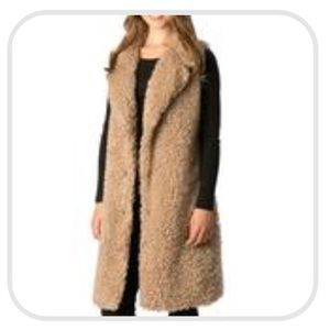 Jackets & Blazers - Shaggy Faux Fur Vest with Pockets